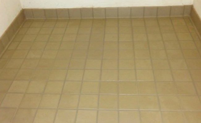 Removing-Grease-and-Dirt-From-Grout-Lines-After